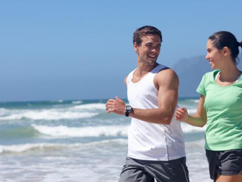 6 ejercicios que puedes realizar en la playa