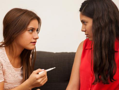 ¿Cómo prevenir un embarazo adolescente?