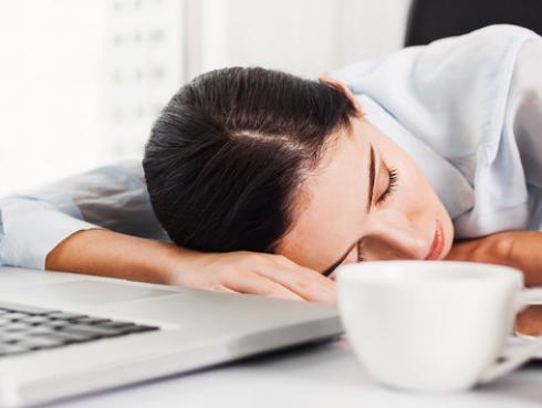¡Entérate aquí qué pasa cuando solo duermes 6 horas diarias!