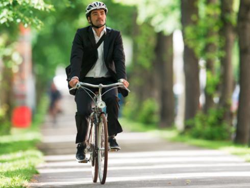¿Quieres bajar de peso con la bicicleta? Esto es lo que debes saber