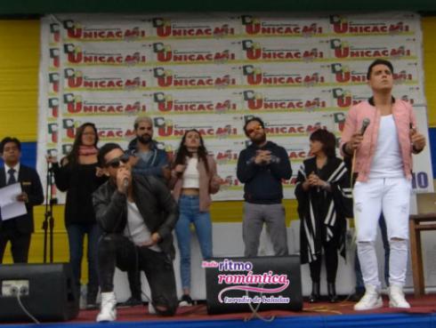 Dúo Idéntico y el elenco de 'Mujercitas' cautivaron al público en Comas