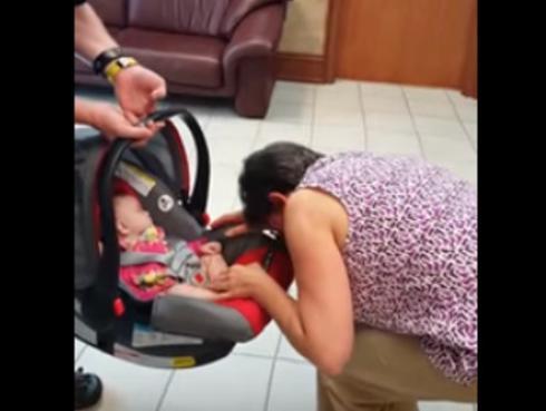 La reacción de esta abuela al conocer a su nieta revoluciona las redes sociales