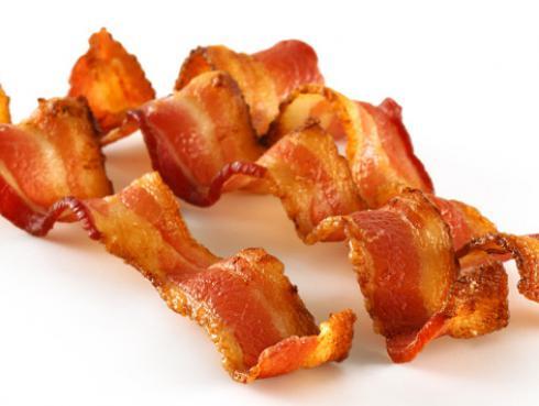 Las salchichas, el tocino y el jamón causan cáncer, según la Organización Mundial de la Salud