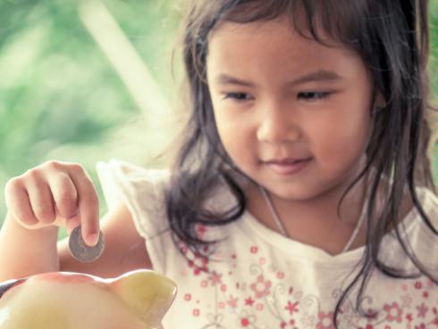 María Pía en su Rol de Madre: Enséñales a tus hijos a ahorrar