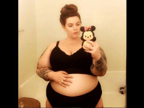 Modelo de talla considerablemente grande compartió sorprendentes fotos de su embarazo