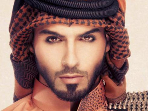 Mira cómo luce el 'hombre más guapo del mundo'  Omar Borkan Al Gala