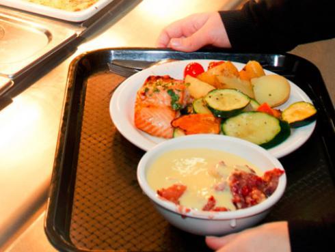 """¿Por qué """"comer con moderación"""" no siempre ayuda a bajar de peso?"""