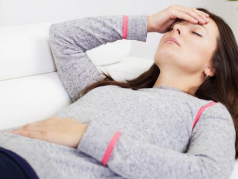 Remedio natural para aliviar el dolor de cabeza y el estreñimiento