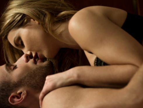 ¿Sabías que los hombres fingen orgasmos tanto como las mujeres?