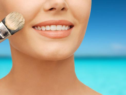 Tips para mantener tu maquillaje intacto durante el verano