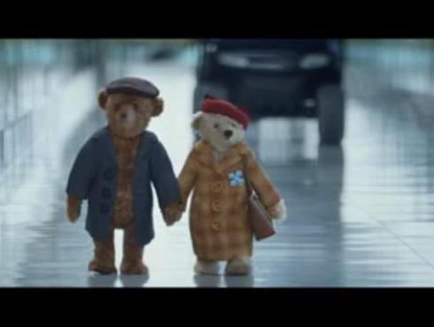 Mira quiénes se esconden detrás de estos dos tiernos osos