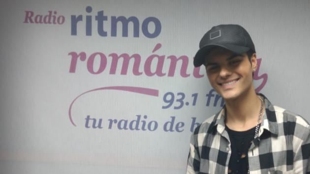Abraham Mateo en la cabina de Ritmo Romántica