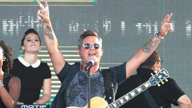 Alejandro Sanz responde ante el reclamo de fans por más entradas para Más es Más