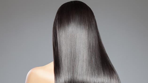 ¡Alisa tu cabello de forma natural con este tip casero!