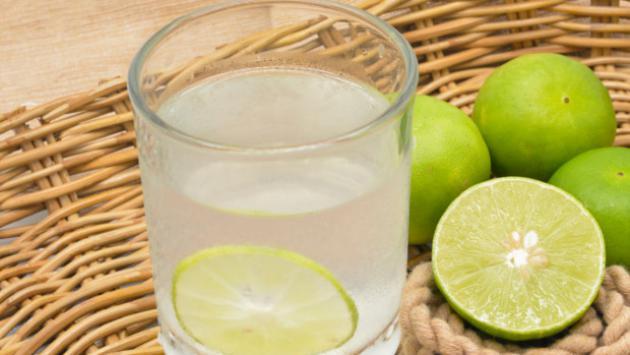 ¡Baja de peso y desintoxica tu hígado con estas bebidas que debes tomar en la noche!
