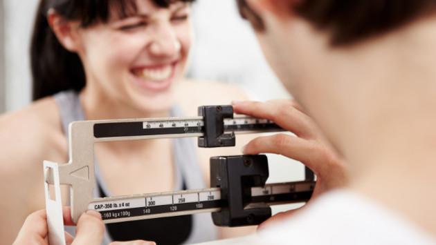 ¡Hemos estado haciéndolo mal todo este tiempo! ¡Este método para bajar de peso es incorrecto!