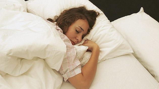 ¿Bajar de peso también te ayuda a dormir mejor?