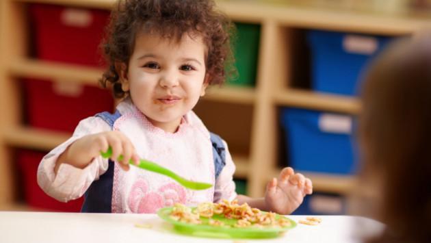 ¿Cómo debo incluir el pescado en la alimentación de mi bebé?