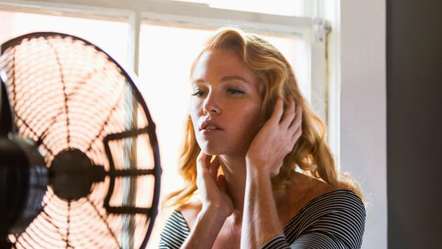 Conoce la mejor manera de utilizar el ventilador antes de dormir y no afectar tu salud