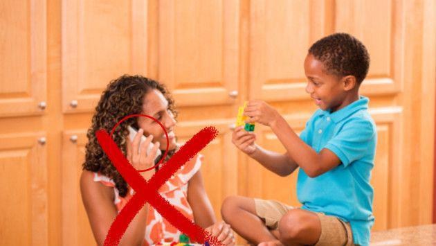 Razones por las que debes apagar el celular cuando estás con tus hijos