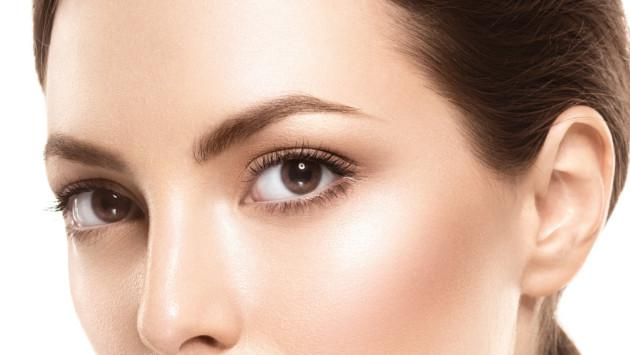 Cuida tus cejas usando aceite de oliva