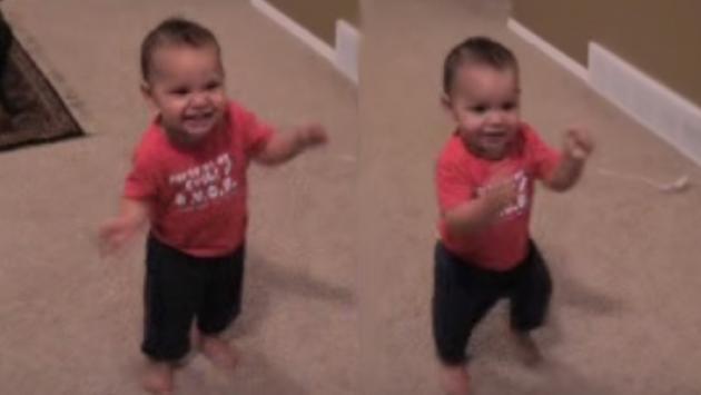 El baile de este bebé alborotó las redes sociales