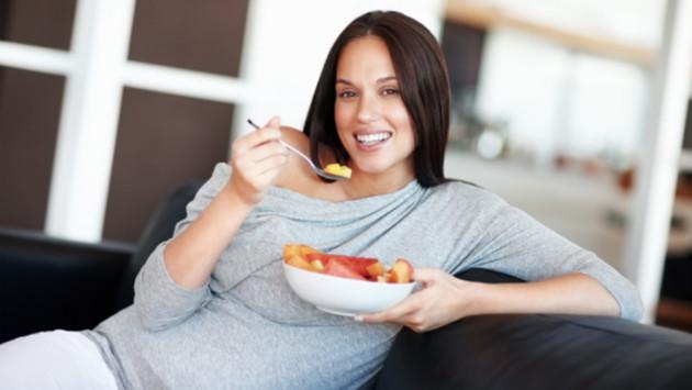 ¿Cómo debo alimentarme durante el embarazo?
