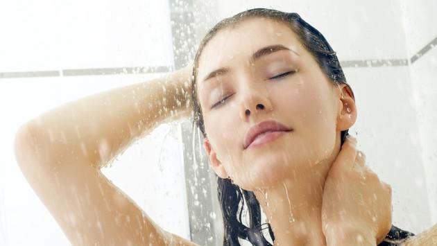 ¡Entérate aquí algunas sorprendentes diferencias entre la ducha fría y caliente!