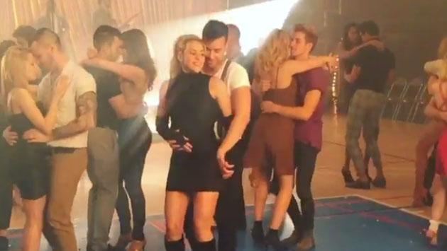 Esta es la primera escena de Prince Royce y Shakira bailando bachata en 'Deja vu' [VIDEO]