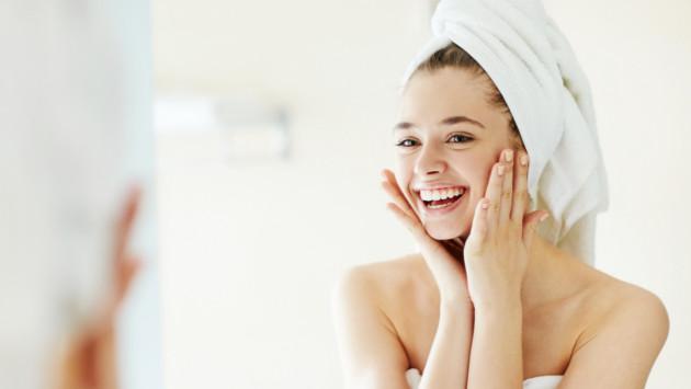 Exfoliante casero de avena y miel para el eliminar la grasa del rostro