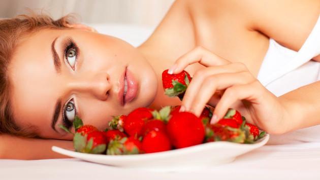 Prepara un exfoliante de fresa y suaviza tu piel