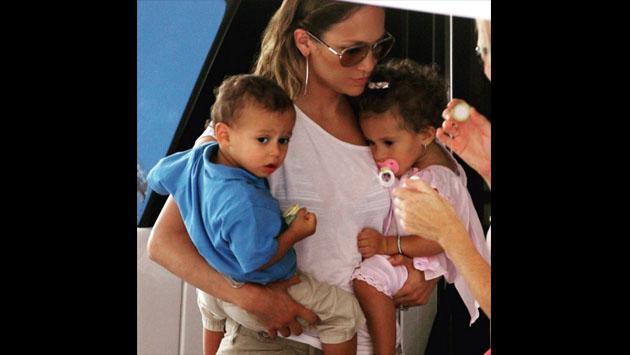 Jennifer Lopez sorprende a sus fans con sensual baile