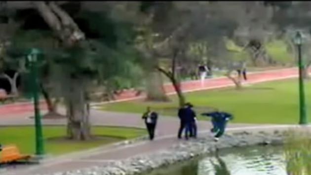 ¡Hombre cae a laguna en San Isidro por jugar Pokemón Go!