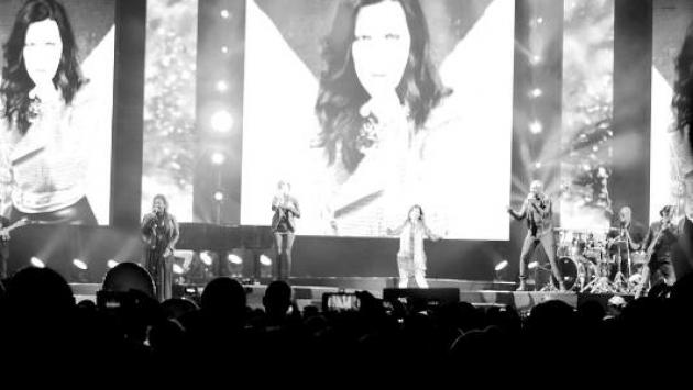 ¡Laura Pausini calentó la noche de Lima con lo mejor de sus baladas en concierto!