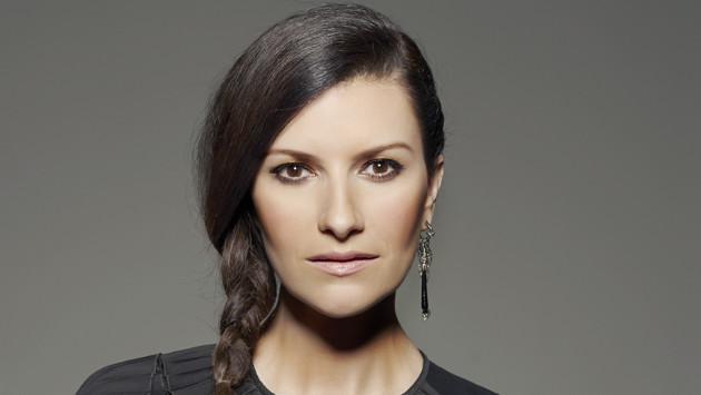 """Laura Pausini: """"Italia estoy contigo con mi corazón y oraciones"""""""