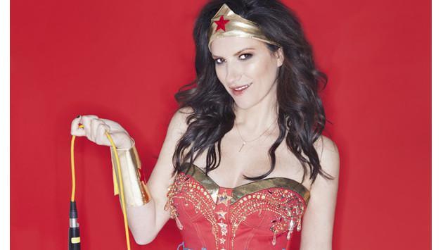 ¡Laura Pausini muestra su sensualidad en revista!