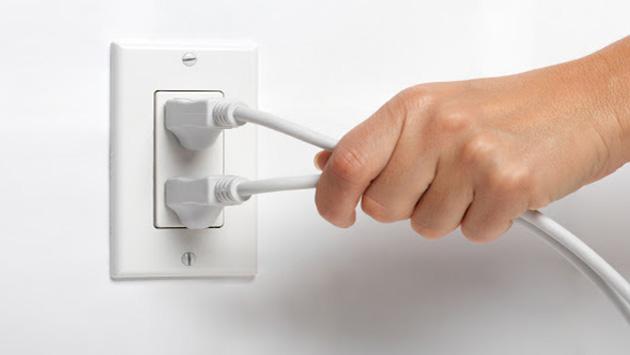 Limpia  los interruptores de tu casa con alcohol