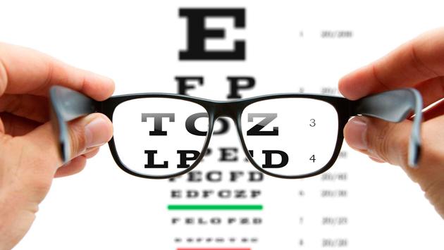 ¿Sientes que tienes miopía y que va en aumento? ¿Sabes a qué se debe?