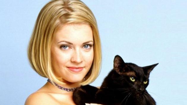 Mira cómo luce Sabrina 'la bruja adolescente' 20 años después
