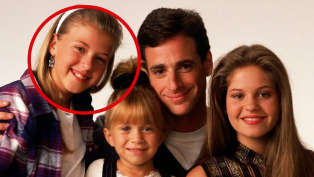 Mira cómo luce 'Stephanie Tanner' de 'Tres por tres'