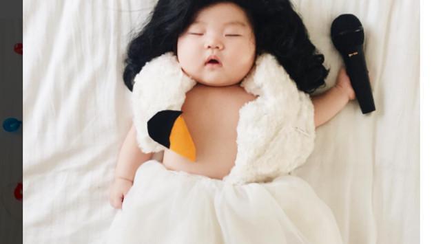 Mira las divertidas fotografías de esta bebé disfrazada de distintos personajes