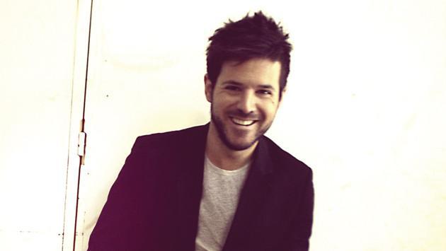 Pablo López fue premiado con tres 'Discos de Platino' por su disco 'El mundo y los amantes inocentes'