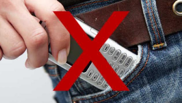 Peligros de llevar el celular en el bolsillo