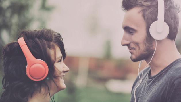 Pide tu balada y dedícasela a esa persona especial