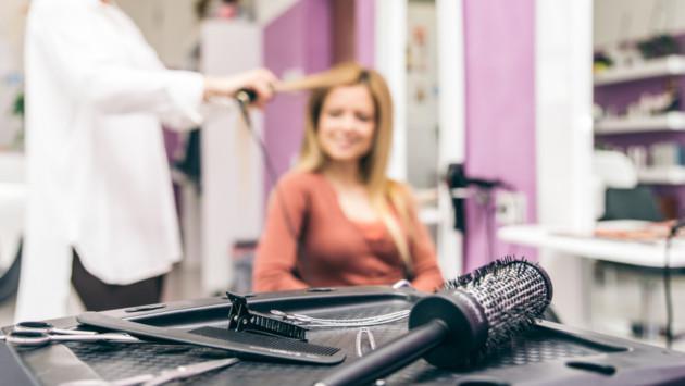Precauciones que debes tomar antes de ir a un salón de belleza