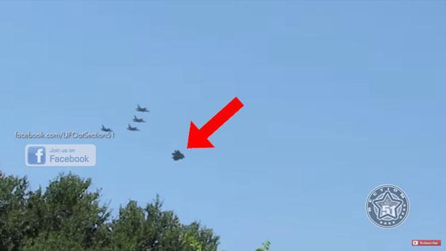 En YouTube, supuesto ovni escoltado por aviones de guerra causa curiosidad [VIDEO]