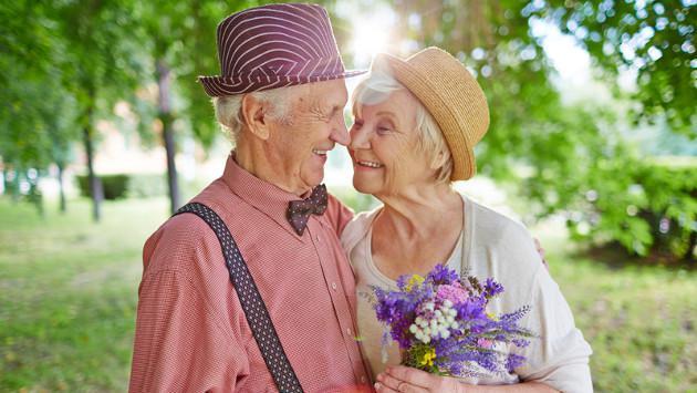 ¿Qué opinas de la frase 'amar no es ocupar el lugar de nadie, sino llenar un lugar que nadie pueda ocupar'?