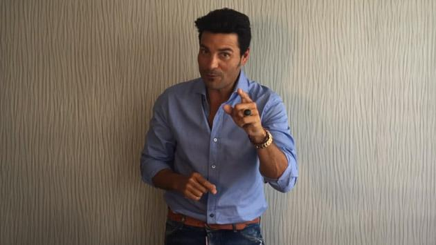 ¿Qué sorpresas alista Chayanne para YouTube? [VIDEO]