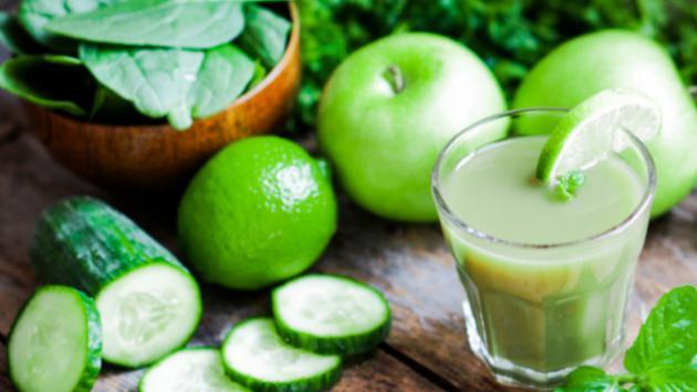 ¿Sabías que puedes reducir tu barriga con piña, pepino, apio, jengibre y limón?