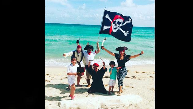 Thalía se convirtió en una sexy pirata para Instagram [FOTOS]